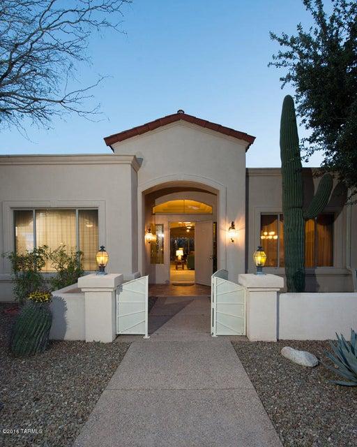 9970 E Sabino Springs Place, Tucson, AZ 85749