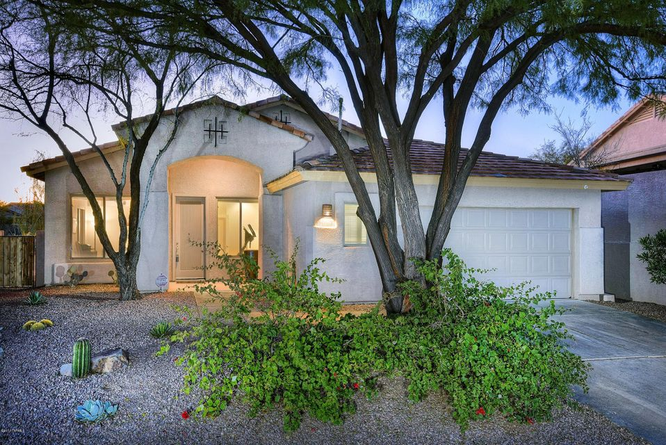 13711 N Bushwacker Place, Oro Valley, AZ 85755