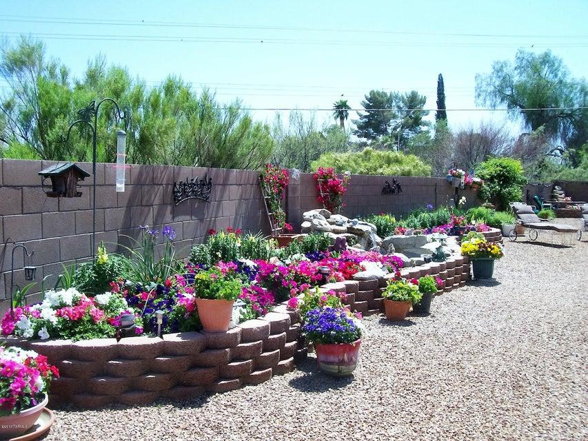 824 N Sugar Maple Place, Tucson, AZ 85710