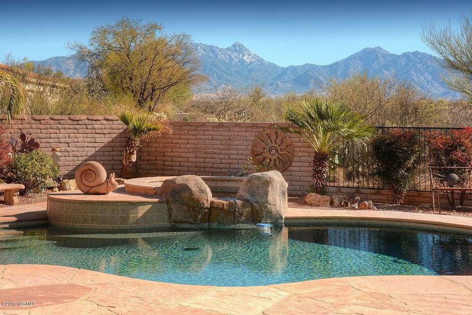 706 E Bent Branch Place, Green Valley, AZ 85614