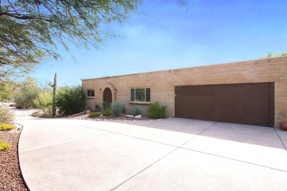 6501 N Longfellow Drive, Tucson, AZ 85718