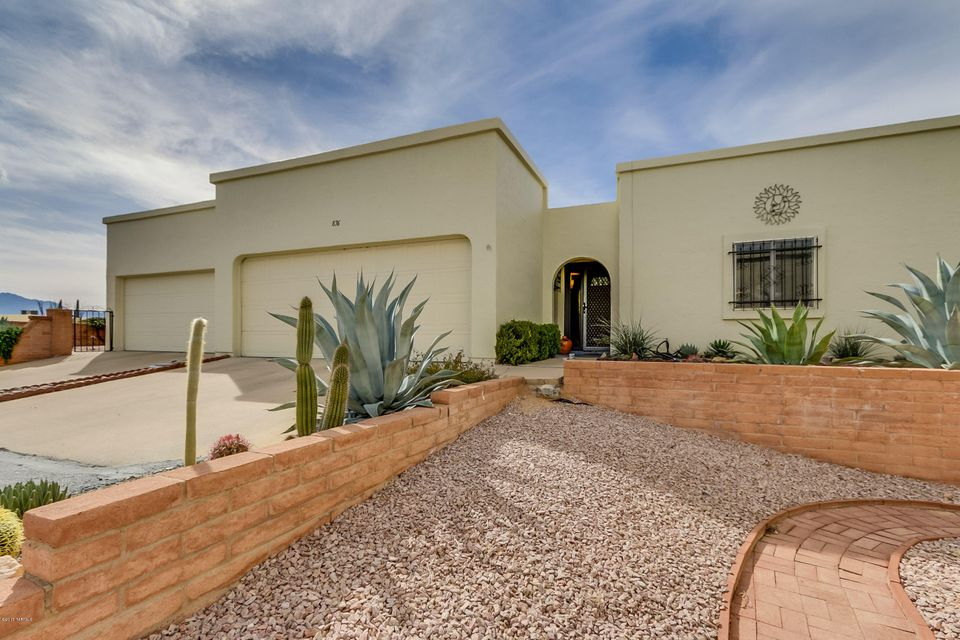 876 S Camino Guarina, Green Valley, AZ 85614
