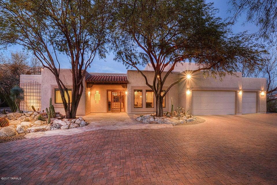 5880 N Moccasin Trail, Tucson, AZ 85750