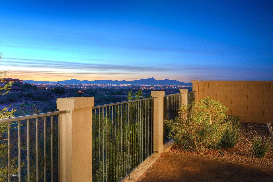 6004 N Campo Abierto, Tucson, AZ 85718