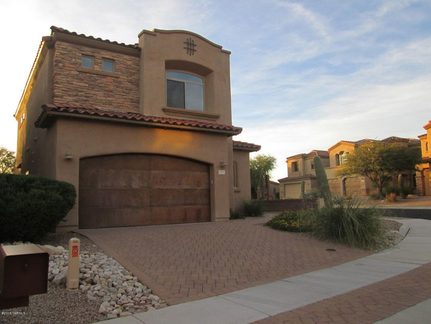5805 N Winding Woods Place, Tucson, AZ 85718