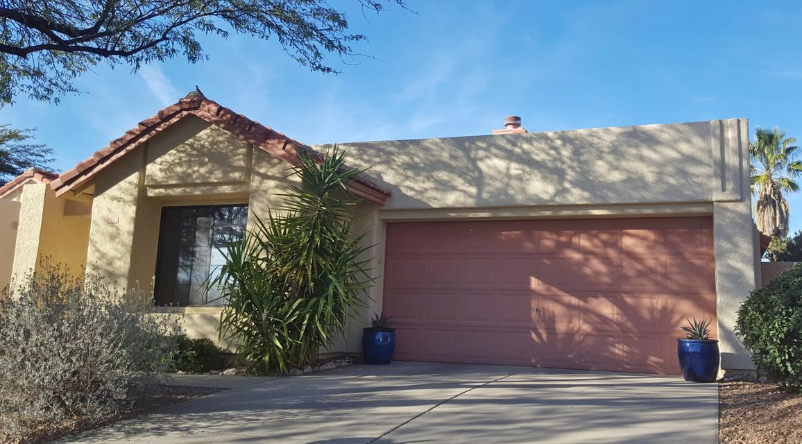 211 E Suntree Street, Oro Valley, AZ 85737