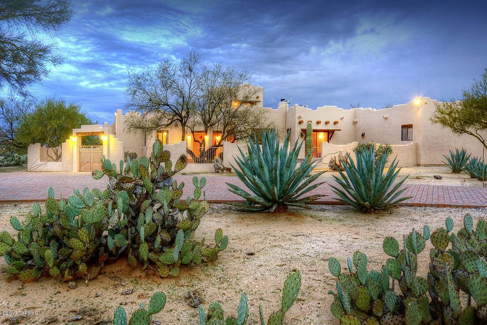13051 N Tailwind Drive, Tucson, AZ 85755