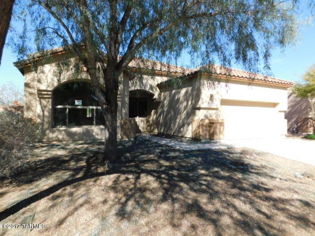 8211 N Sombrero Point Drive, Tucson, AZ 85743