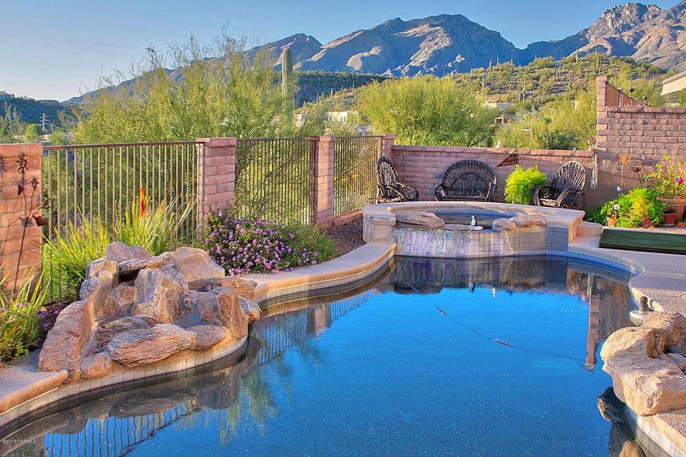 4947 N Bonita Ridge Avenue, Tucson, AZ 85750