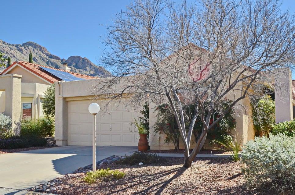 270 E Belcourte Place, Oro Valley, AZ 85737
