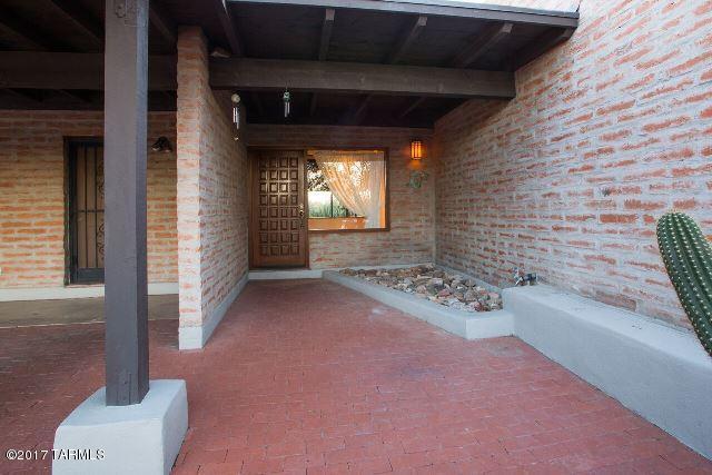 4850 N Via Serenidad, Tucson, AZ 85718