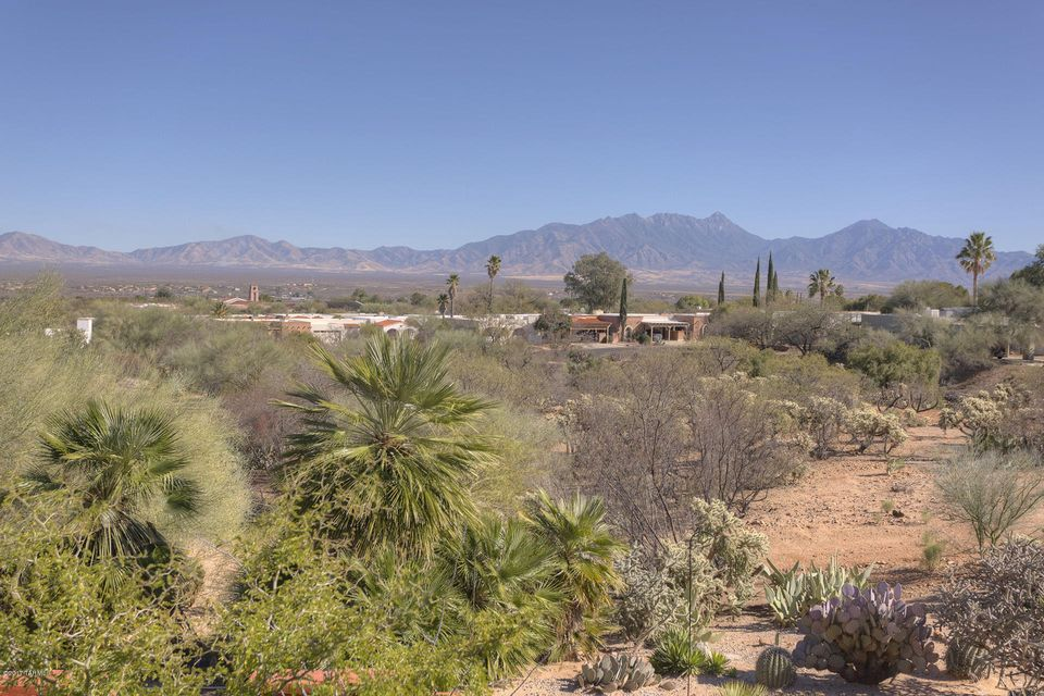 561 S Paseo la Ruida Circle, Green Valley, AZ 85614