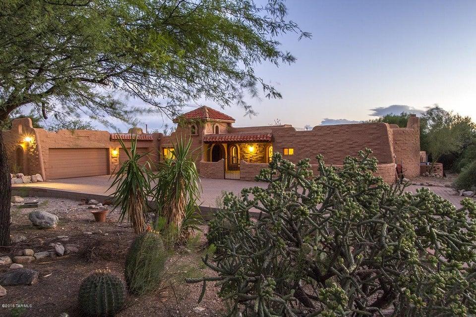 6521 N Altos Tercero, Tucson, AZ 85718