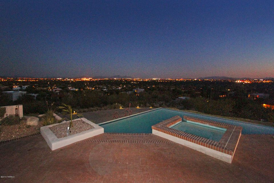 3880 N Grey Wolf Lane, Tucson, AZ 85750