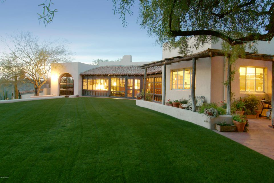 00 Withheld, Tucson, AZ 85718