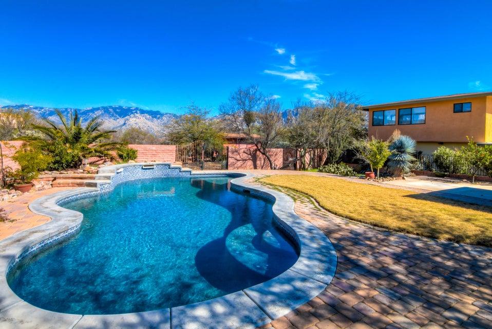 11821 N Robi Place, Tucson, AZ 85737