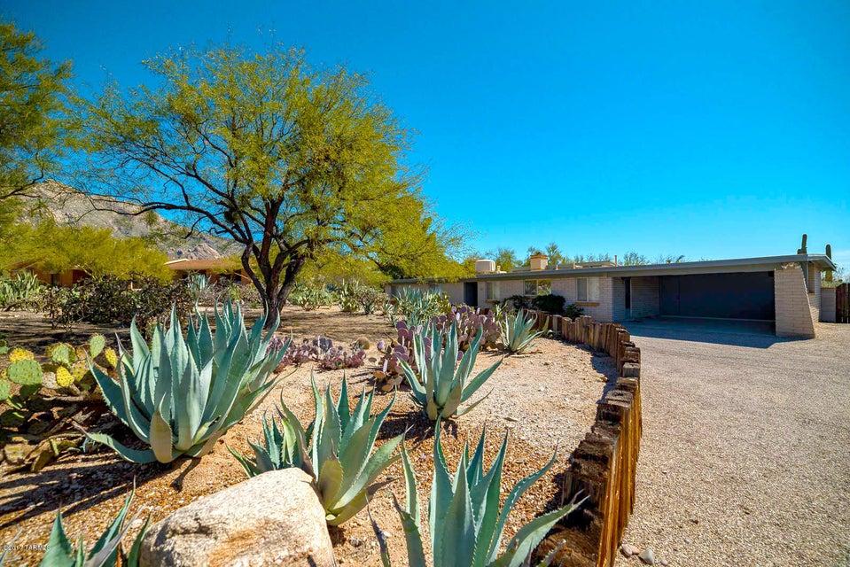 6510 N Longfellow Drive, Tucson, AZ 85718