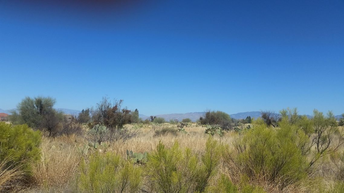230 S Richmond Drive, Vail, AZ 85641