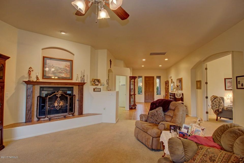 1367 S Madera Reserve Drive, Green Valley, AZ 85614