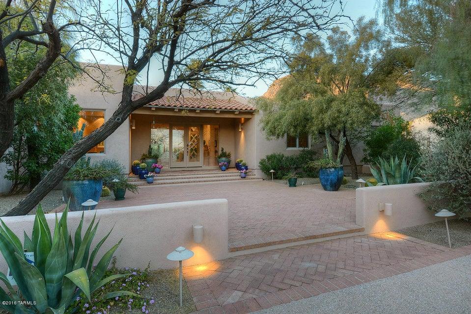 3221 E Crest Shadows Drive, Tucson, AZ 85718