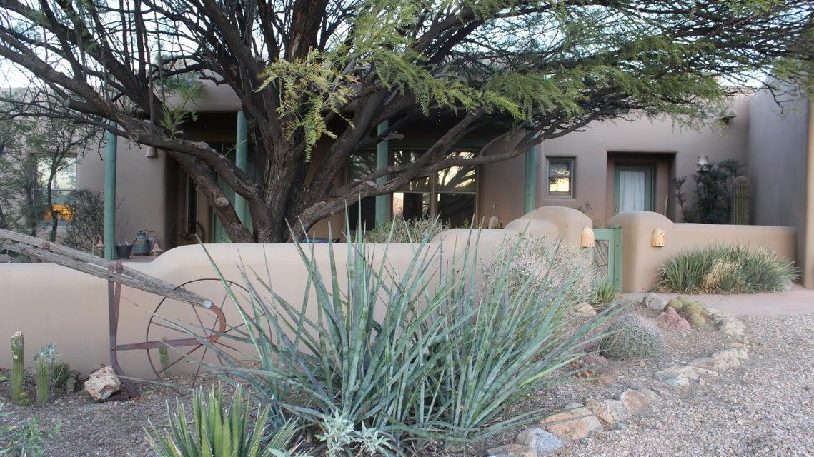 6050 W Peregrine Way, Tucson, AZ 85745