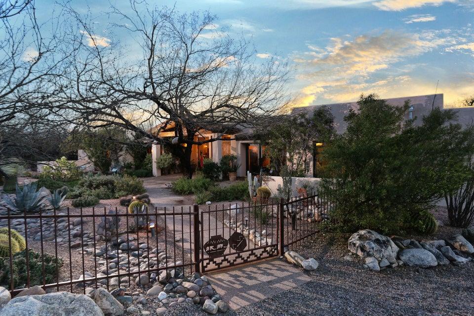 6920 N Mercer Spring Place, Tucson, AZ 85718