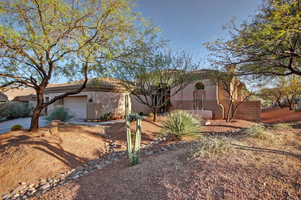 537 W Highlands View Place, Oro Valley, AZ 85755