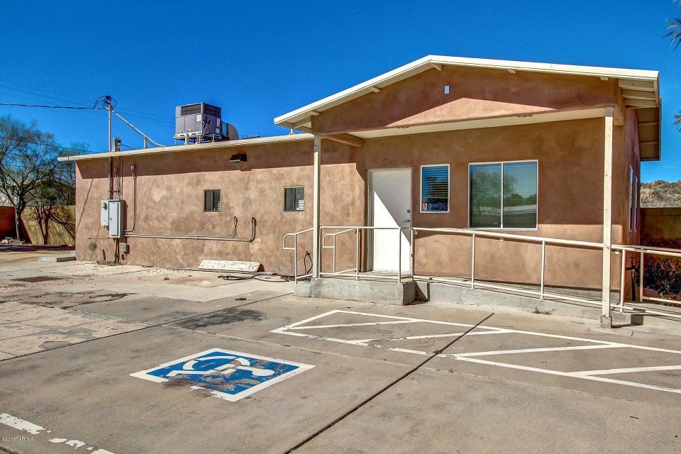 2801 W Alvaro Road, Tucson, AZ 85746