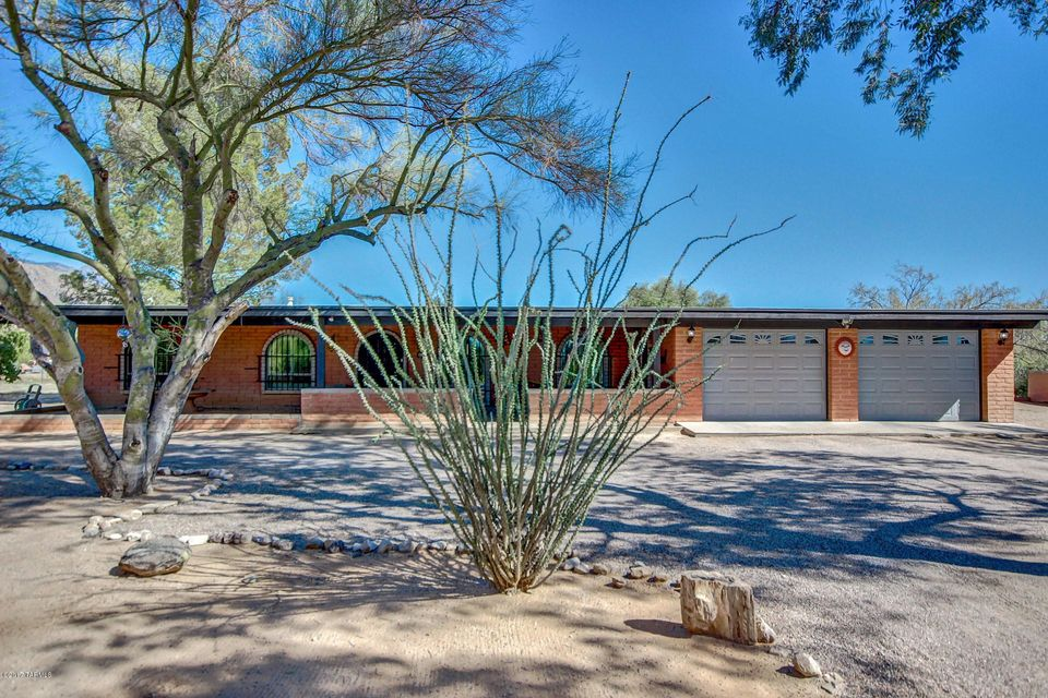 1501 W Daybreak Circle, Tucson, AZ 85704