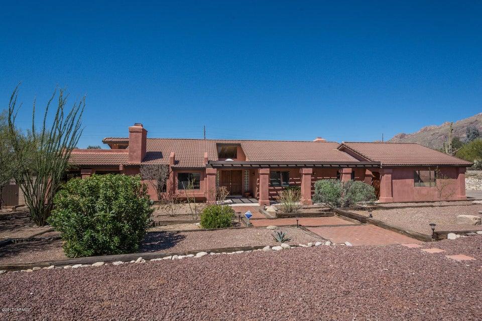 6829 N Green Mountain Place, Tucson, AZ 85718