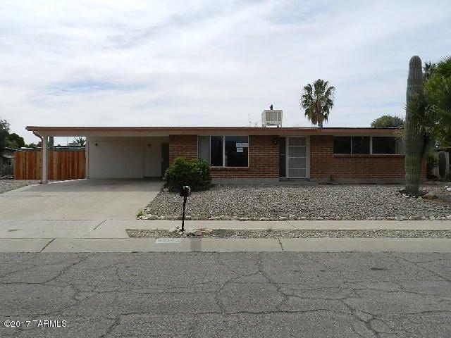 9228 E Calle Kuehn, Tucson, AZ 85715