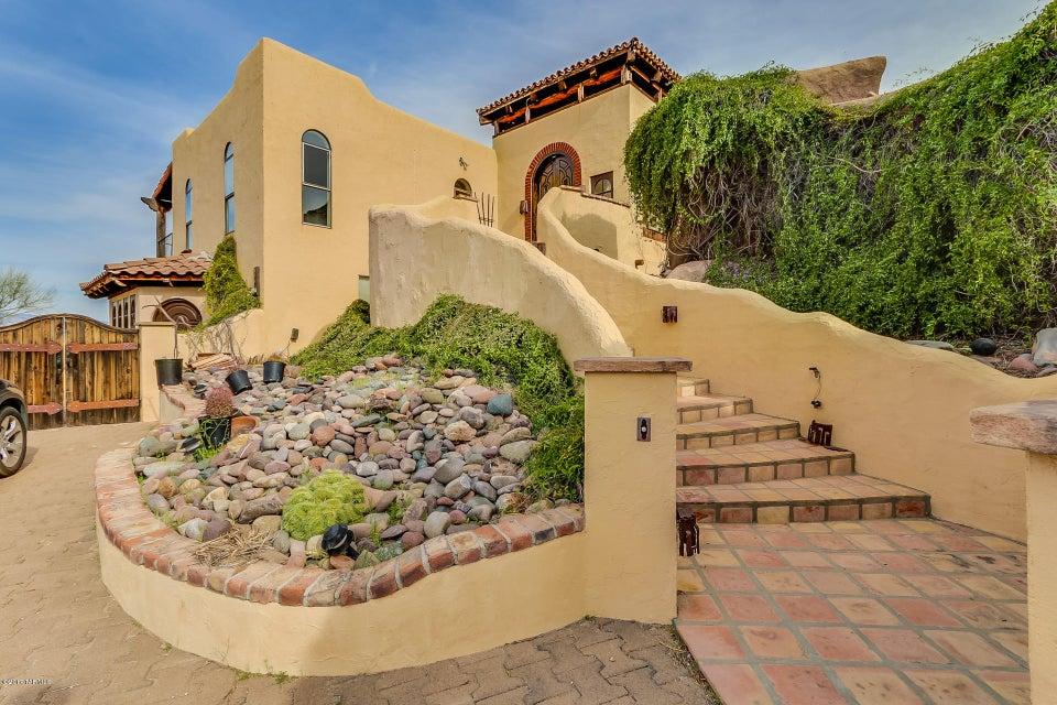 6311 W Trails End Road, Tucson, AZ 85745