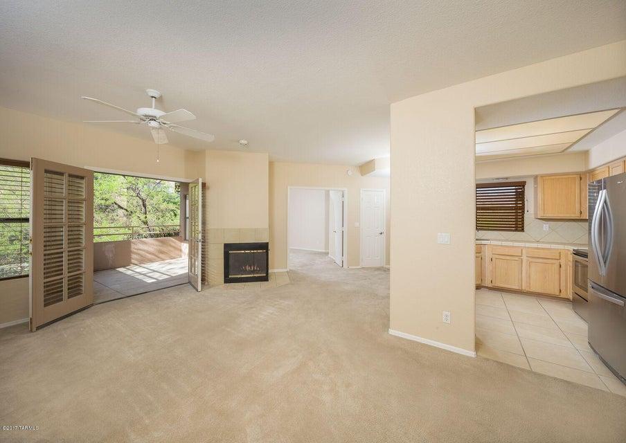 6655 N Canyon Crest Drive 19202, Tucson, AZ 85750