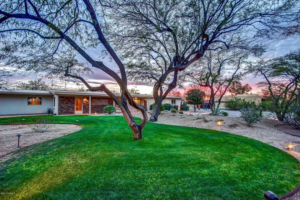 6052 E West Miramar Drive, Tucson, AZ 85715