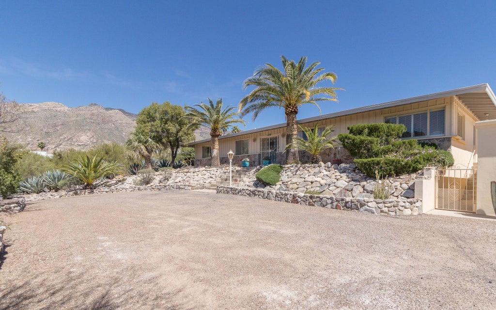 6030 N Camino Esplendora, Tucson, AZ 85718