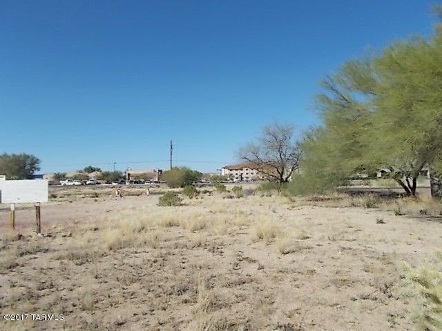 81 W Duval Road, Green Valley, AZ 85614