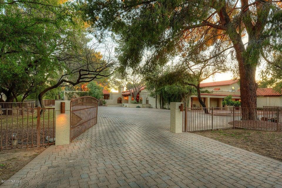 6444 E Santa Aurelia, Tucson, AZ 85715