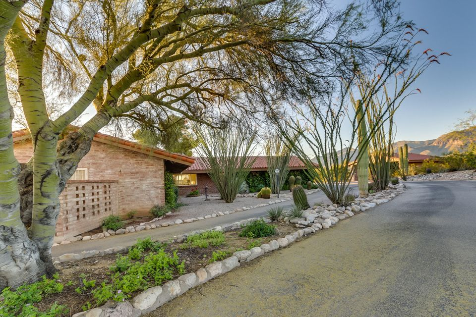 5040 N La Lomita, Tucson, AZ 85718