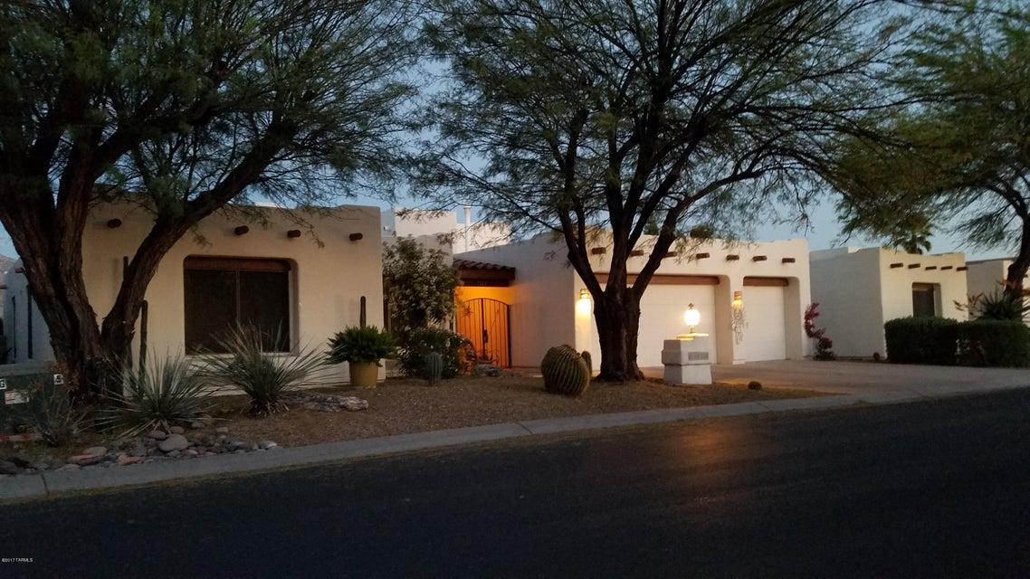 10730 N La Quinta Drive, Tucson, AZ 85737