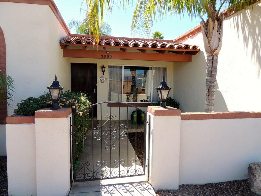 9200 E Visco Place, Tucson, AZ 85710
