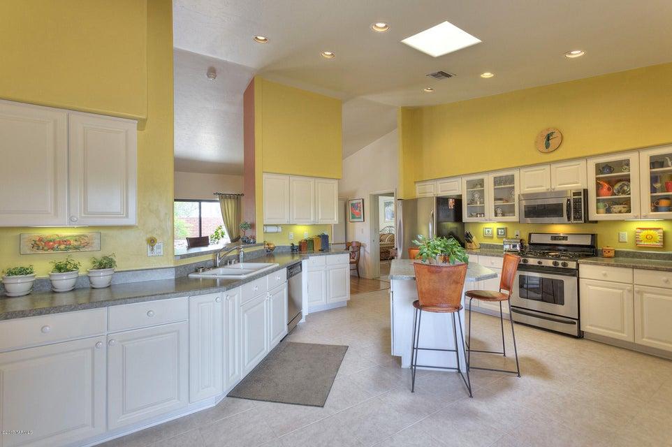 818 E Sawmill Canyon Place, Green Valley, AZ 85614