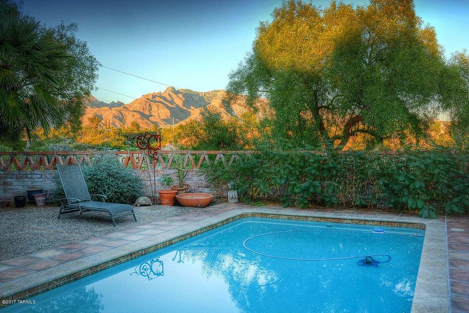60 E Yvon Drive, Tucson, AZ 85704
