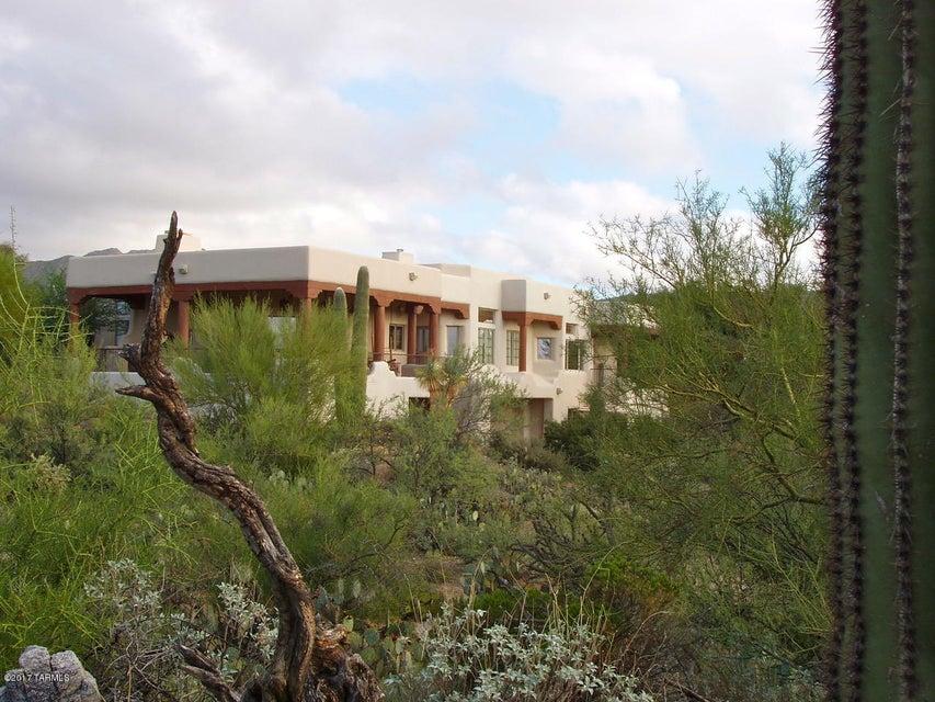 13751 N Piper Drive, Tucson, AZ 85755