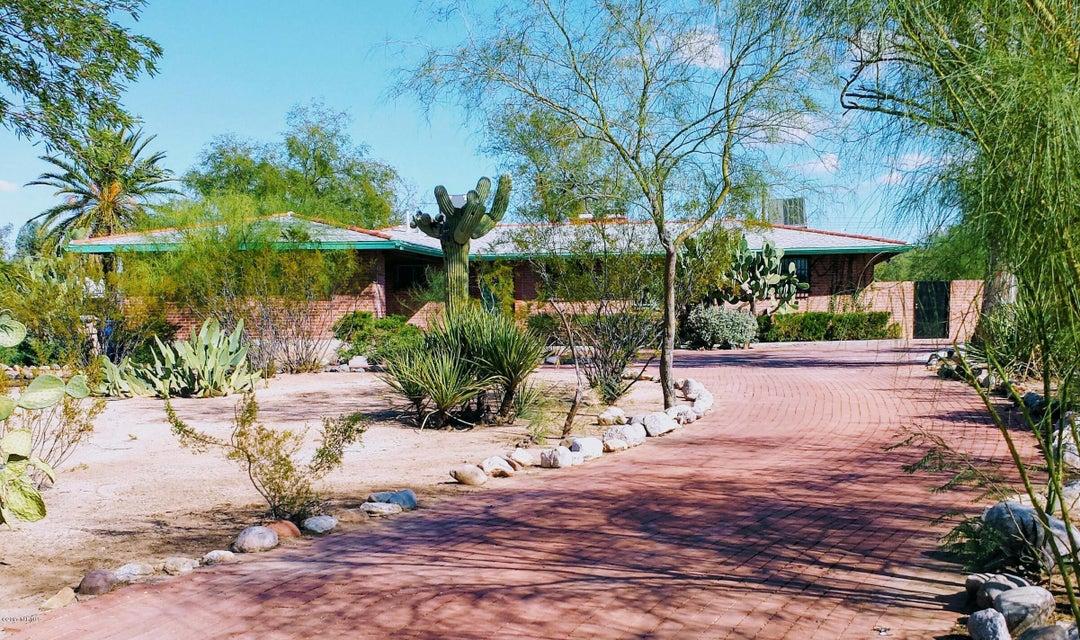 836 N Corinth Avenue, Tucson, AZ 85710