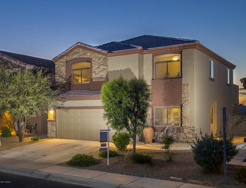 8757 N Western Red Cedar Drive, Tucson, AZ 85743