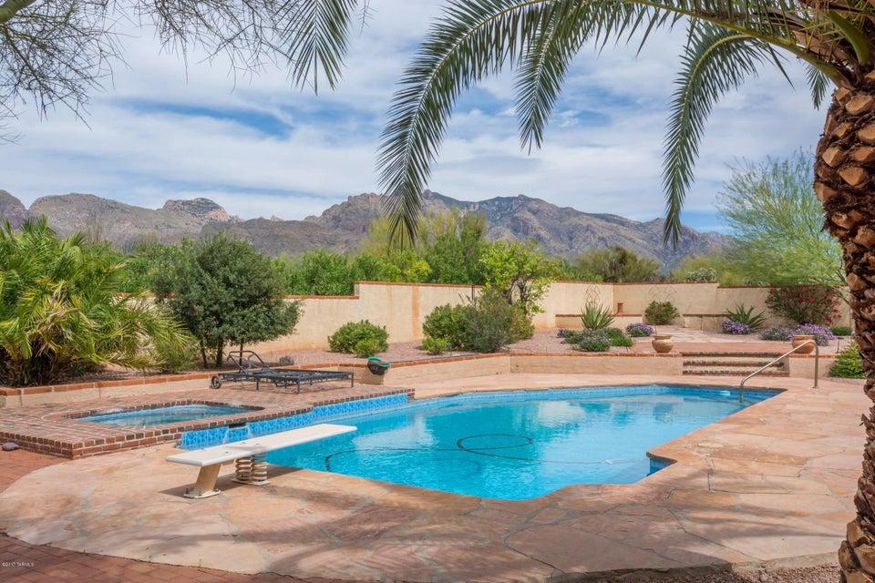 6371 N Placita De Eduardo, Tucson, AZ 85718