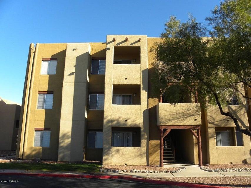 1810 E Blacklidge Drive 409, Tucson, AZ 85719
