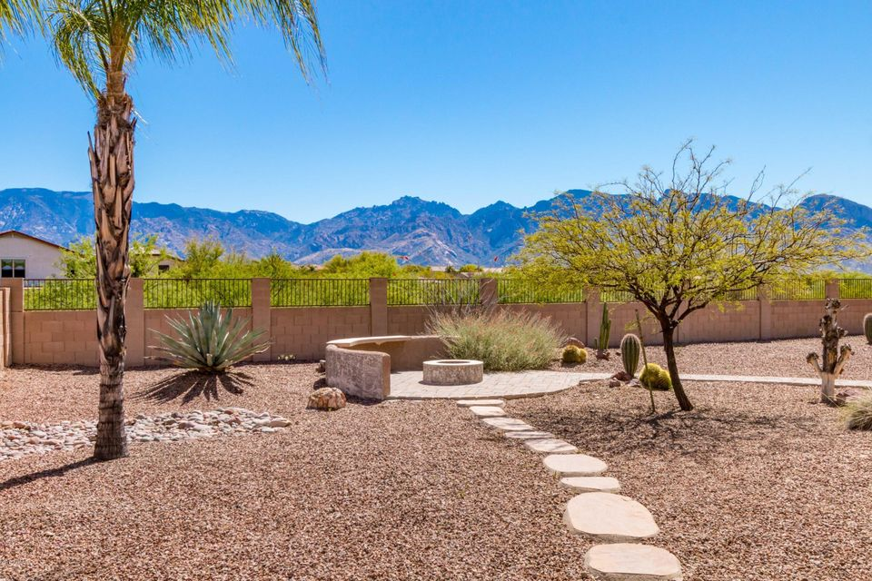 901 W Leatherleaf Drive, Oro Valley, AZ 85755