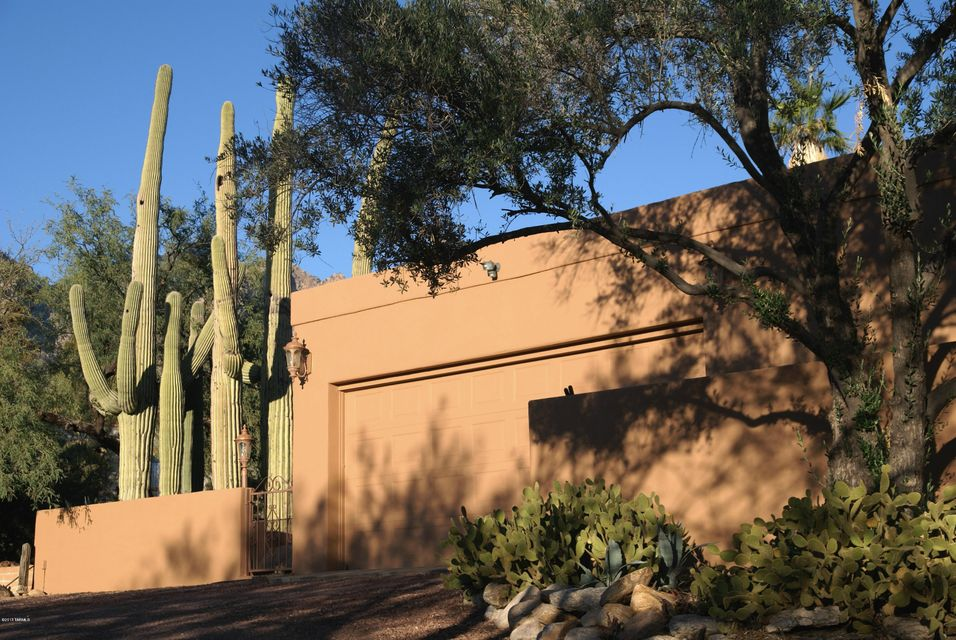 6720 N Alvernon Way, Tucson, AZ 85718