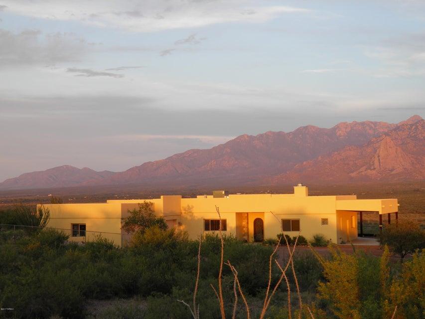 2990 W Elephant Head Road, Green Valley, AZ 85622